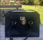 Müüa Michael Kors Hamilton Must Leather Satchel