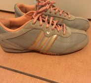 ADIDAS Girls tossud nr 37,5