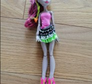 Müüa Monster High nukk